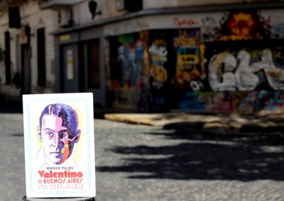 Valentino en Buenos Aires. Los años veinte y el espectáculo (2016)